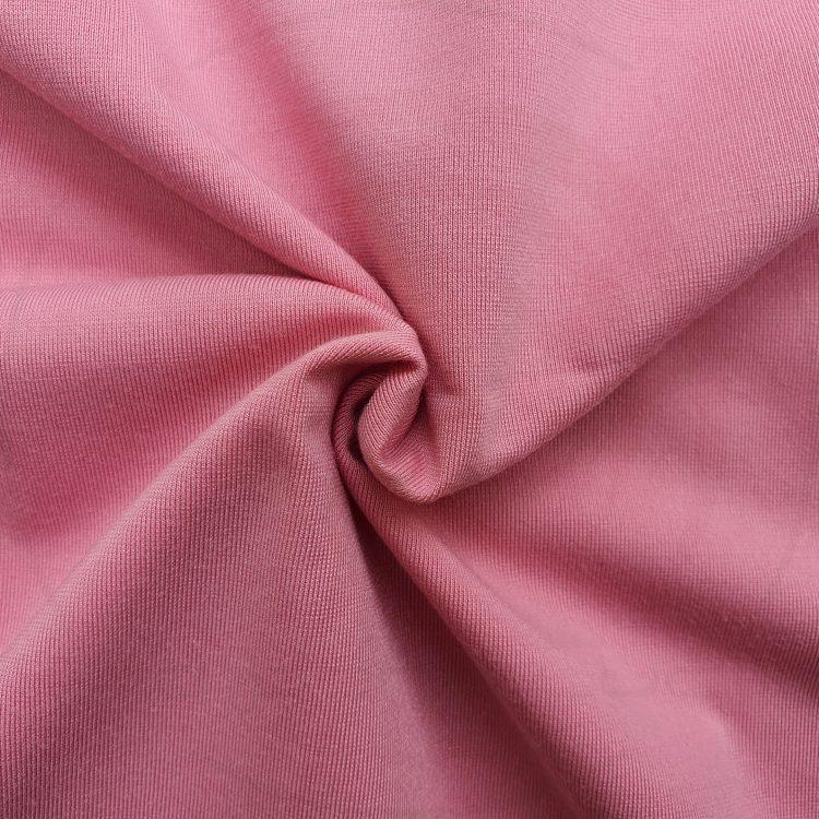 Hình chụp cận cảnh chất vải áo thun cổ tròn supe unisex màu hồng ruốc